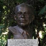 Popiersie Stanisława Lema (zdjęcie Pawła Cieśli) | http://commons.wikimedia.org/wiki/File:Popiersie_Stanis%C5%82aw_Lem_ssj_20110627.jpg
